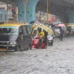 मुंबई बारिश :ज़िंदगी थम सी गयी.....