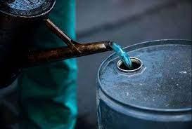 देवरिया में हजारों लीटर चोरी का तेल बरामद, 20 हिरासत में